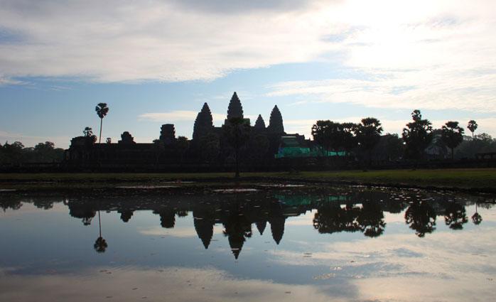 amanece en camboya