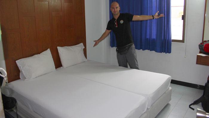 adri en hostel bangkok
