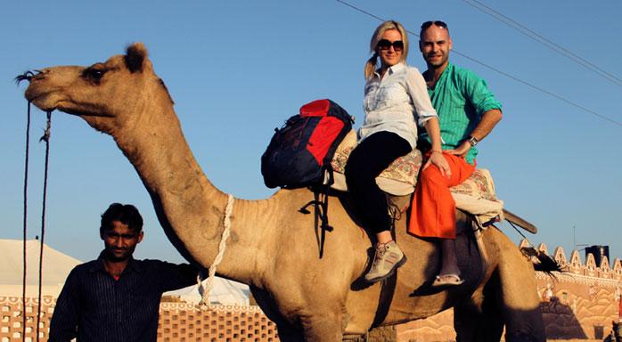 ir en camello por india