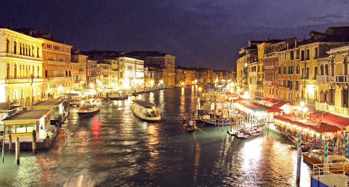 canal-venecia-noche