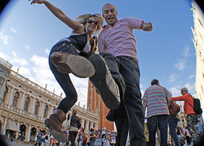 saltando-en-venecia