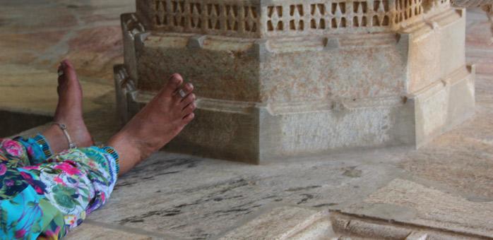 anillo en el pie