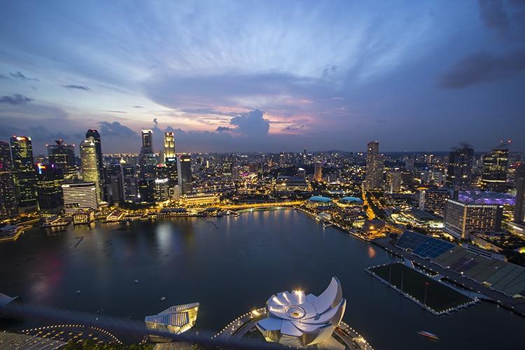 hora azul singapur