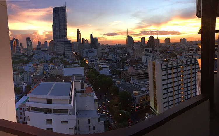 puesta-sol-Furama-Silom-Bangkok