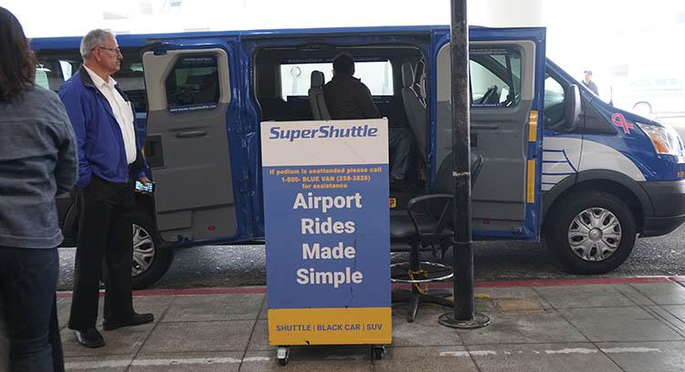 furgo compartida LAX Aeropuerto de los Ángeles
