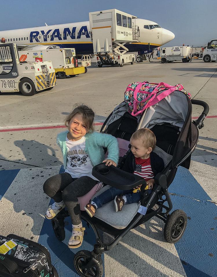 Viajar con niños en avión. Consejos y experiencia