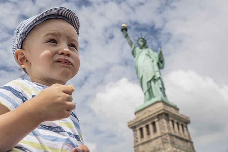 Oliver estatua libertad