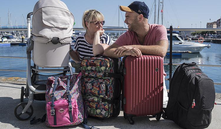 maleta viaje avion